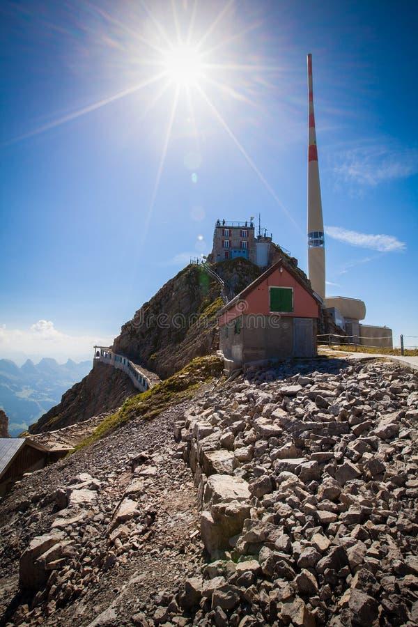 Säntis maximum i de schweiziska alpesna royaltyfri foto