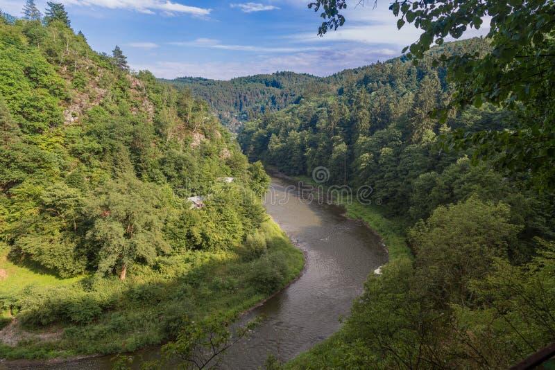 SÃ ¡ zava rzeka od wzgórza zdjęcia royalty free