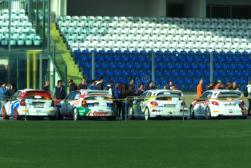 São Marino 21 de outubro de 2017 - carro na parada na reunião a legenda foto de stock