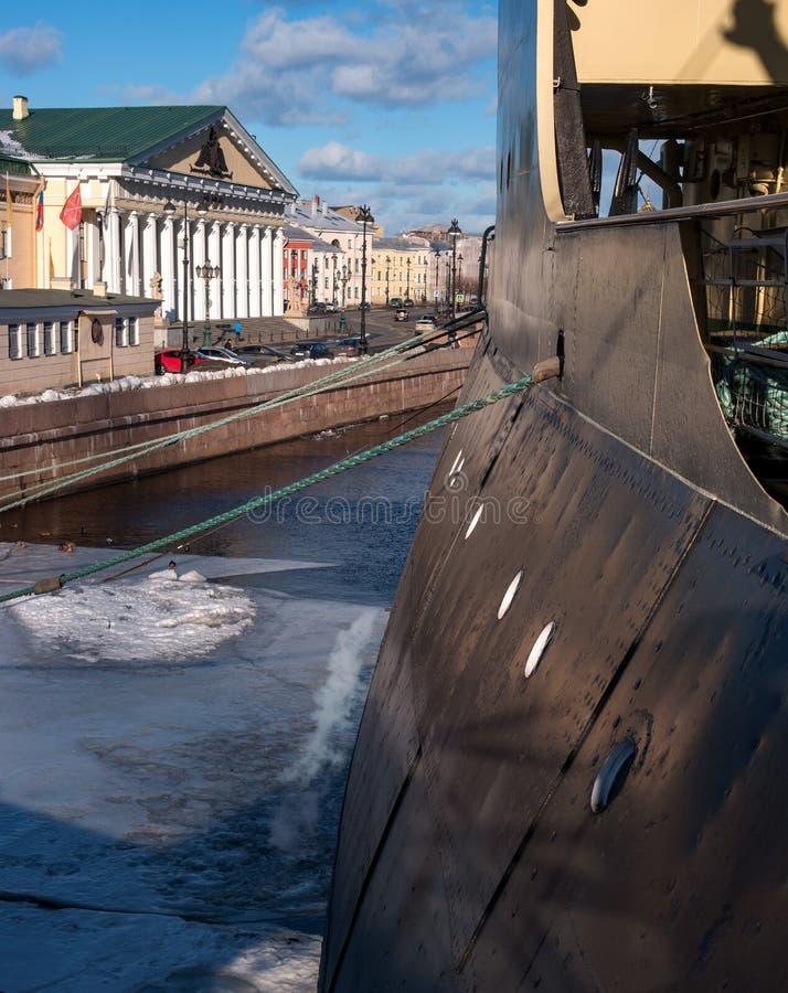 São Petersburgo, Rússia - 17 de fevereiro de 2019: Russo lendário, quebra-gelo soviético - Krasin- Fragmento É um navio-museu fotos de stock royalty free