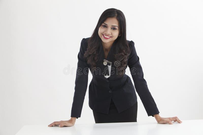 Säker affärskvinna royaltyfri fotografi