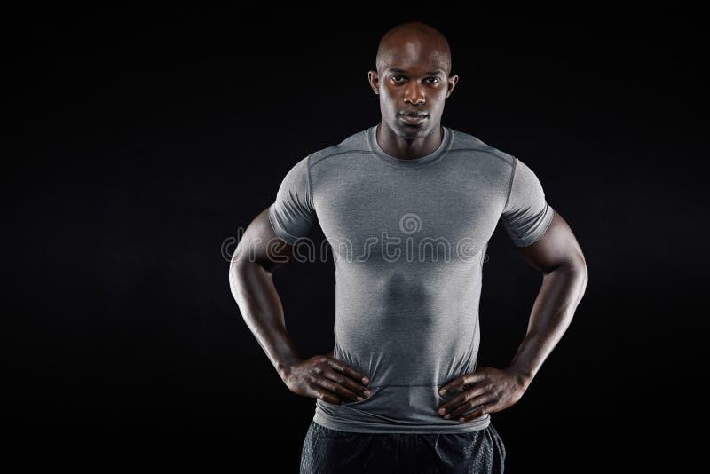 Säker afrikansk idrottsman nen med copyspace royaltyfri fotografi