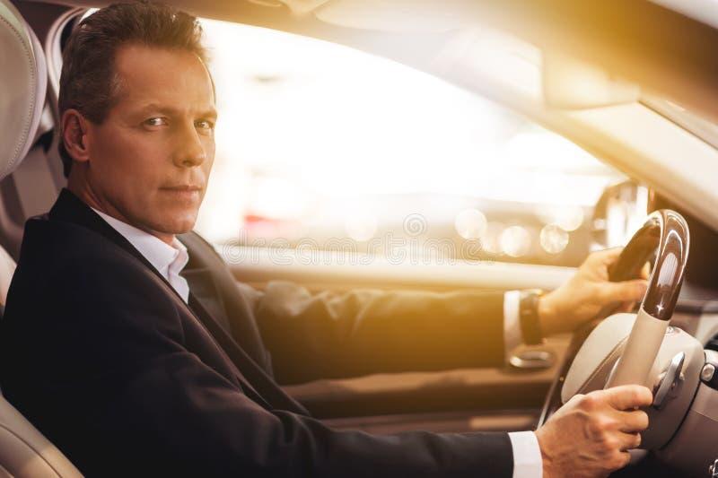 Säker chaufför arkivbilder