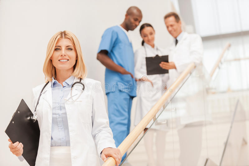 säker doktorskvinnlig arkivbilder