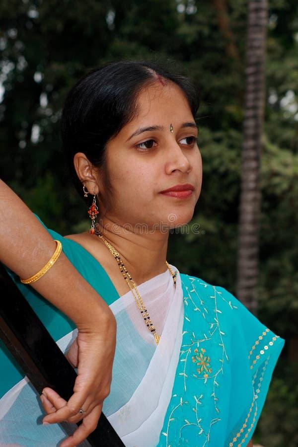 säker fast indisk kvinna arkivbilder