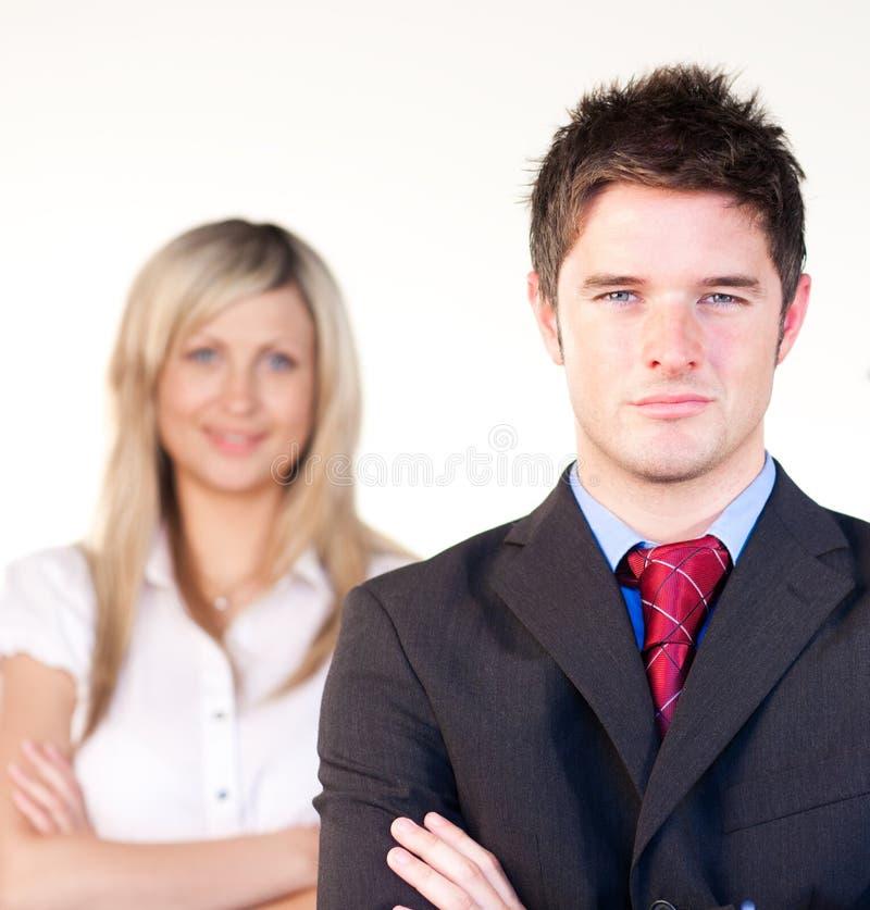 säker framdel för affärsmanaffärskvinna royaltyfria foton