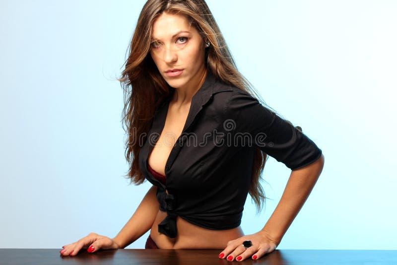 Säker kvinna royaltyfria bilder