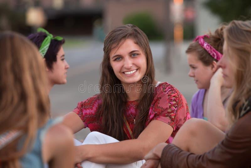 Säker kvinnligtonåring royaltyfria bilder