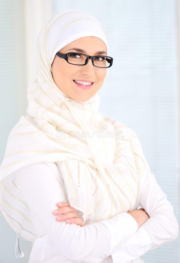 säker muslimkvinna arkivfoton