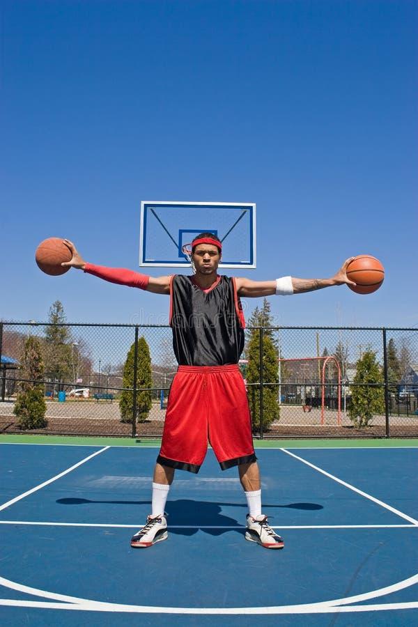 säker spelare för basket arkivfoton