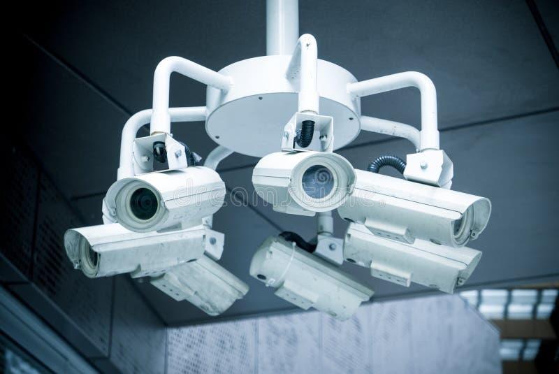 Säkerhetsbevakningkameror arkivfoton