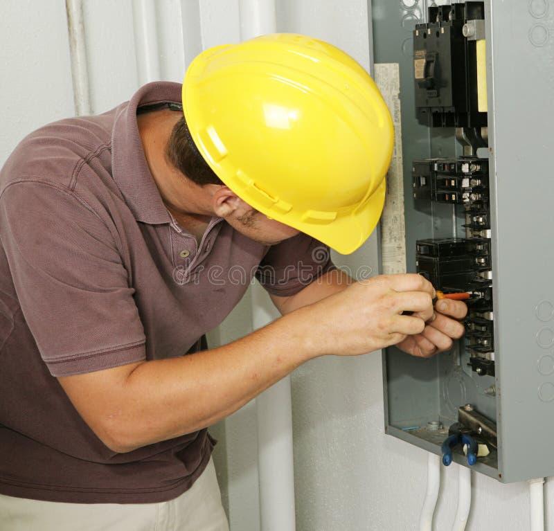 säkerhetsbrytareelektrikerpanel arkivfoto