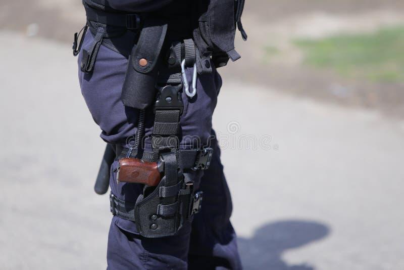 Säkerhetssatsen av en polis royaltyfri foto