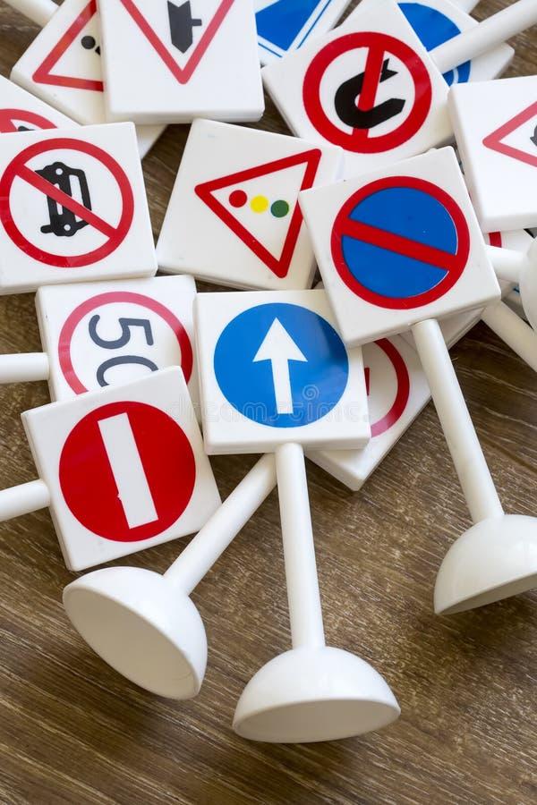 Säkerhetstecken och symboler arkivfoton