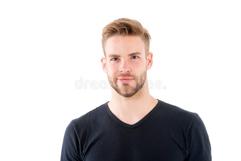 Säkert i hans perfectness Man med borstet som ler framsidavitbakgrund Manligt skönhetbegrepp 308 mässingskassetter räknade för ma royaltyfria foton