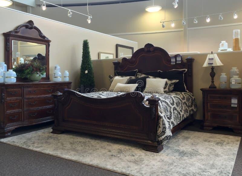 Sälja för för sovrummöblemang och inredningar royaltyfri fotografi