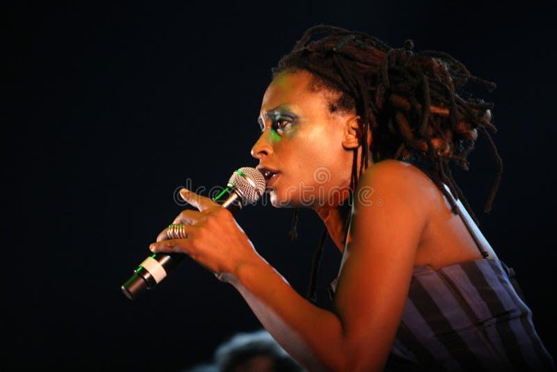 Sänger des portugiesischen Bandes Terrakota stockbild