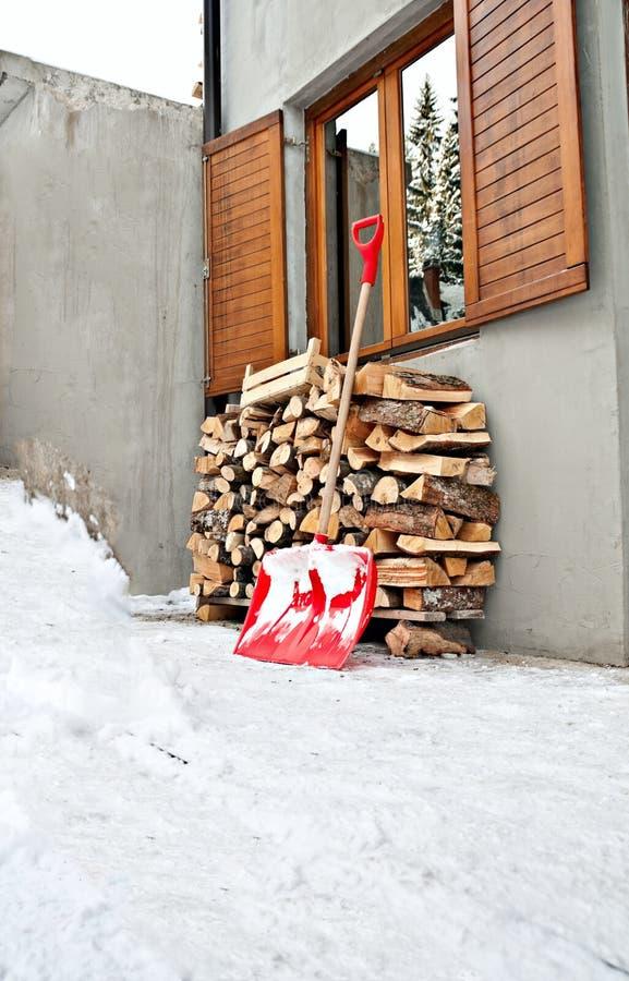 Säsong för ladle- och journalvintersnow arkivfoto