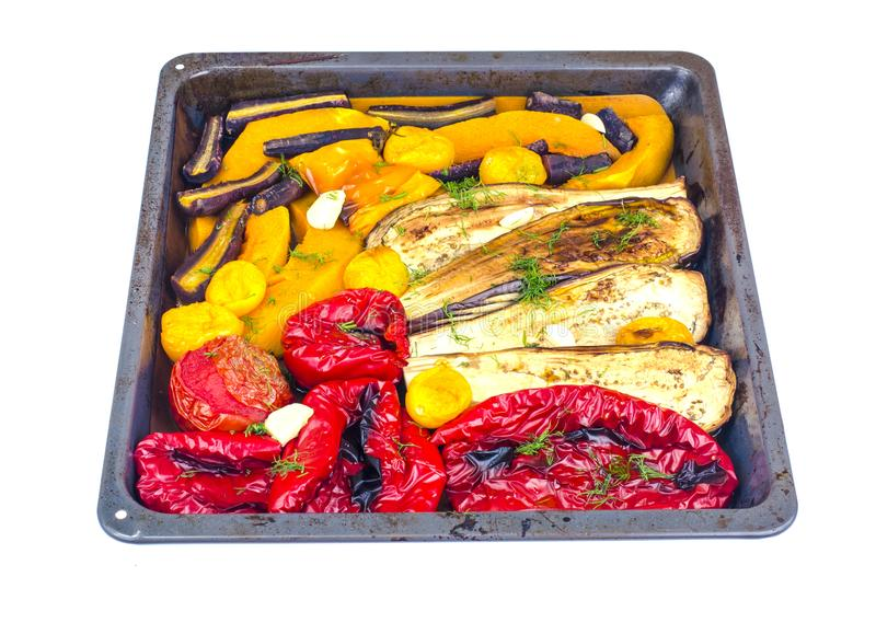 Säsongsgrönsaker bakade på bakplåt fotografering för bildbyråer