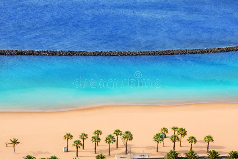 Sätta på land Las Teresitas i den Santa Cruz de Tenerife norden royaltyfri foto
