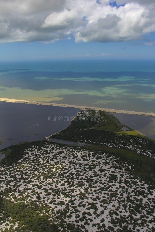 Sätta på land paradiset, den underbara stranden, strand i regionen av Arraial gör Cabo, tillstånd av Rio de Janeiro, Brasilien Sy royaltyfri bild