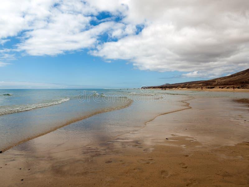 Sätta på land Playa de Sotavento, kanariefågelön Fuerteventura royaltyfri bild