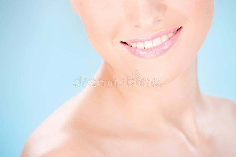 Säubern Sie Hautfrau stockfotos