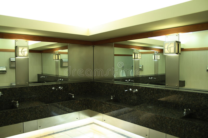 Säubern Sie Restroom stockfotografie