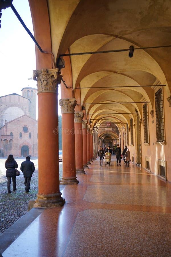 Säulenhalle von Santo Stefano Bologna stockfotos