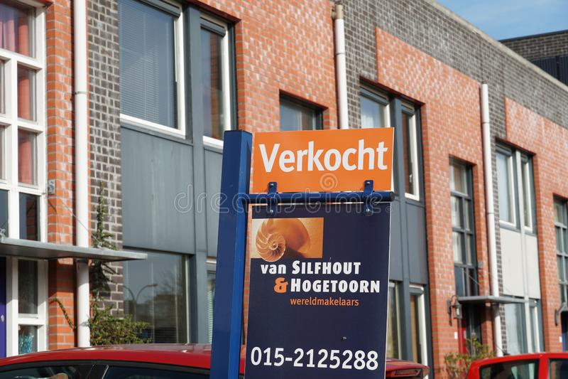Sålt hus i Nederländerna royaltyfri foto