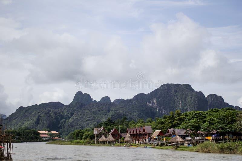 `-Sång` av Vang-Vieng royaltyfri fotografi