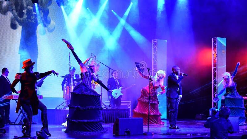 Sångaren Willi William som utför på etapp under den stora Apple musiken, tilldelar konsert 2016 royaltyfri bild