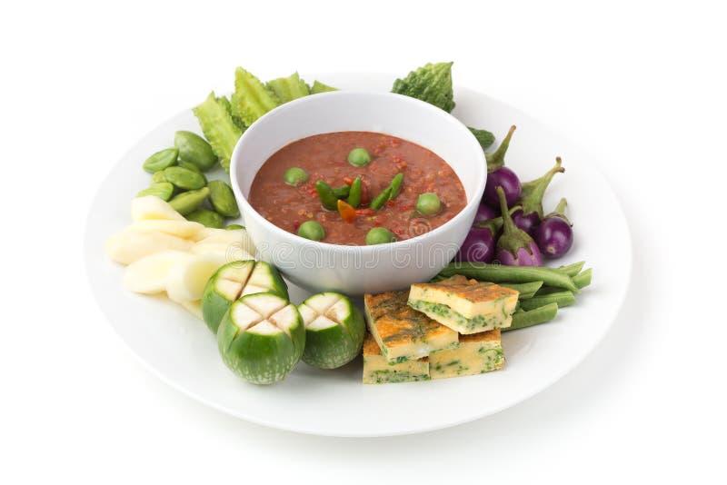 Sås för räkadegchili Nam Prik Ka Pi med omelett och grönsaken ställde in arkivfoto