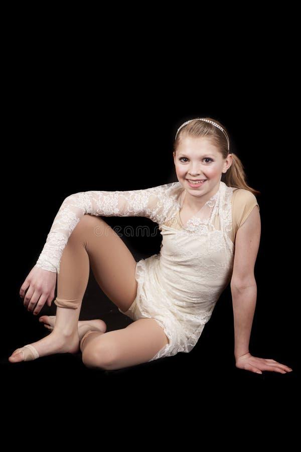 Séance de danse de jeune fille photographie stock libre de droits