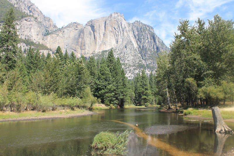 Sécheresse d'affter de rivière de Yosemite de 2015 en août photographie stock libre de droits