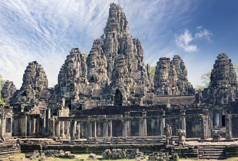 Século XII antigo do templo de Bayon em Angkor Wat, Siem Reap, Camboja foto de stock royalty free
