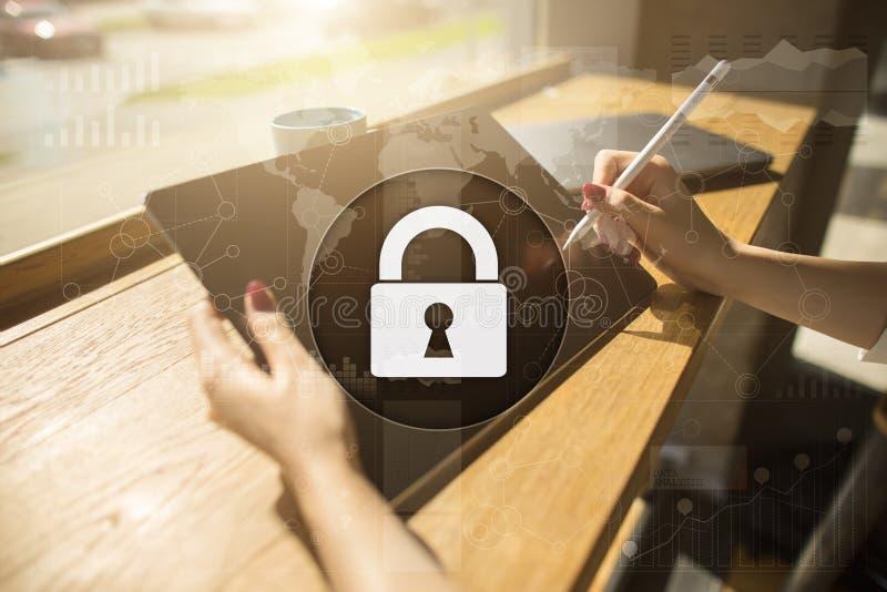 Sécurité de Cyber, protection des données technologie d'Internet et concept d'affaires images libres de droits