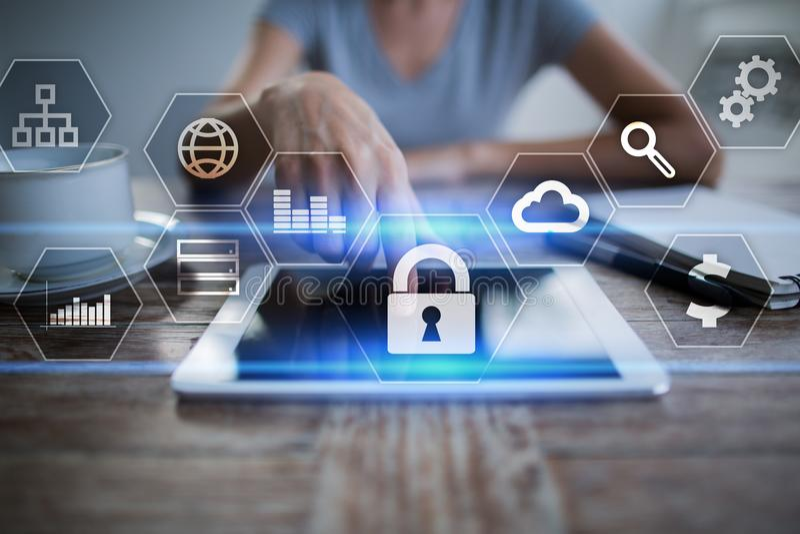 Sécurité de protection des données, de Cyber, sécurité de l'information et chiffrage technologie d'Internet et concept d'affaires photographie stock libre de droits