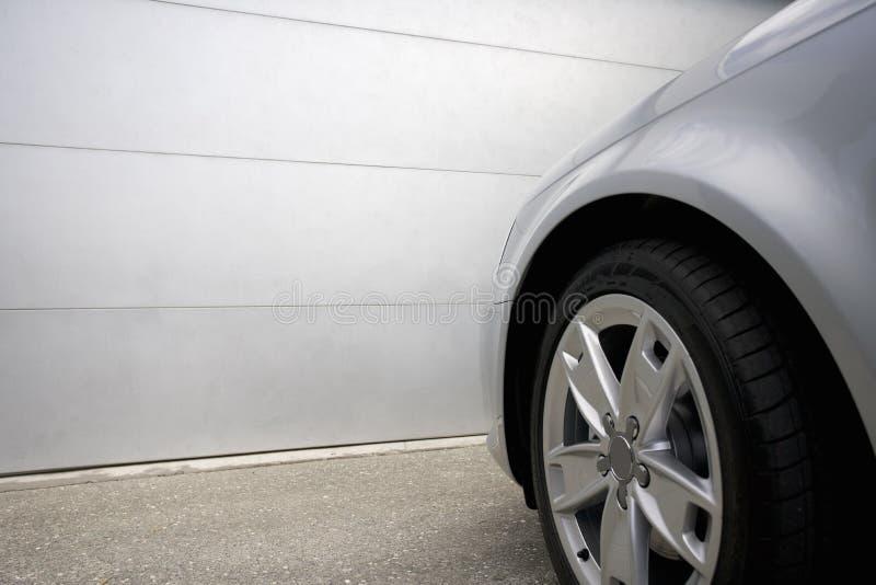 Download Sécurité de véhicule photo stock. Image du concret, roue - 8654734