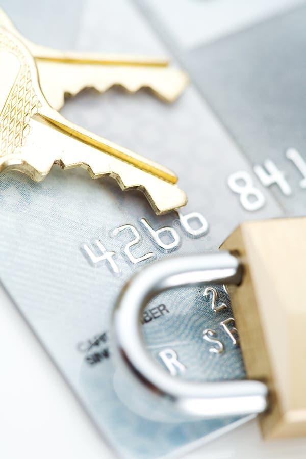 Sécurité : Serrure et clés sur la carte de crédit photographie stock