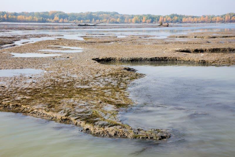 Sédiments dans le barrage de Cunovo sur le Danube photo stock