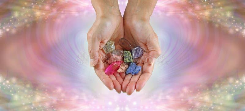 Sélection de offre de guérisseur en cristal des pierres curatives dégringolées photographie stock