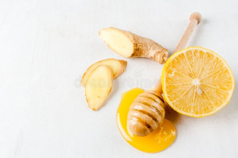 Sélection des ingrédients du cocktail ou du thé de gingembre image stock