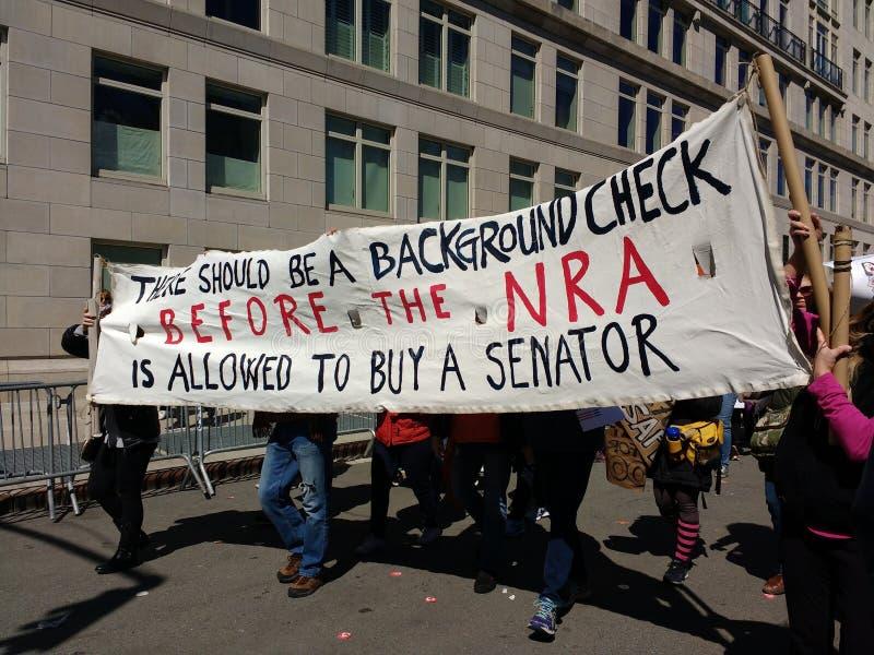 Sénateurs américains, lobby d'arme à feu, NRA, mars pendant nos vies, protestation, NYC, NY, Etats-Unis photos stock