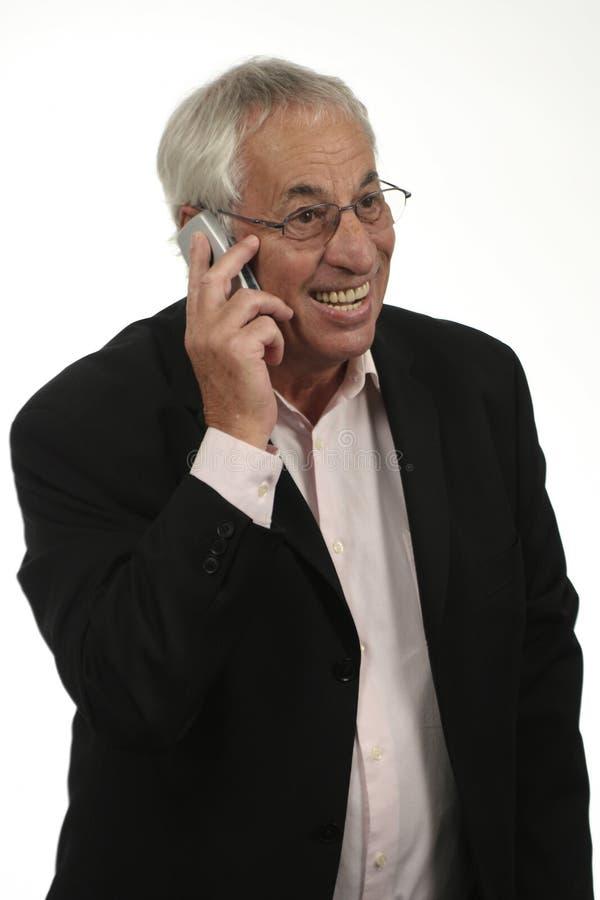 Sénior no telefone imagens de stock
