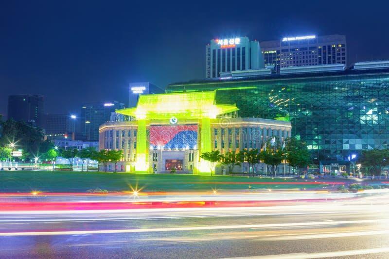 Download Séoul, Corée Du Sud - 30 Avril 2016 : Le Bâtiment D'hôtel De Ville Du Gouvernement Métropolitain De Séoul A Tiré La Nuit Le 16 Ao Image éditorial - Image du pluie, korea: 77162890