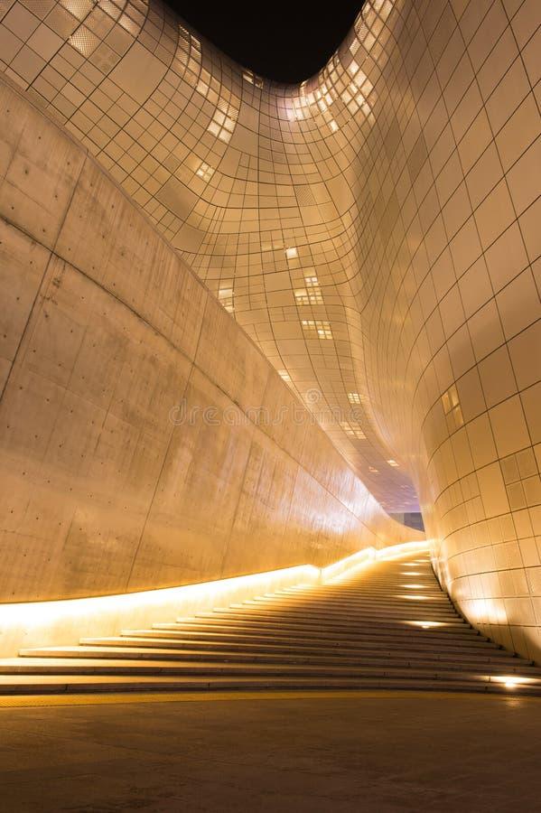 SÉOUL, CORÉE DU SUD - 3 FÉVRIER : Plaza de conception de Dongdaemun image libre de droits