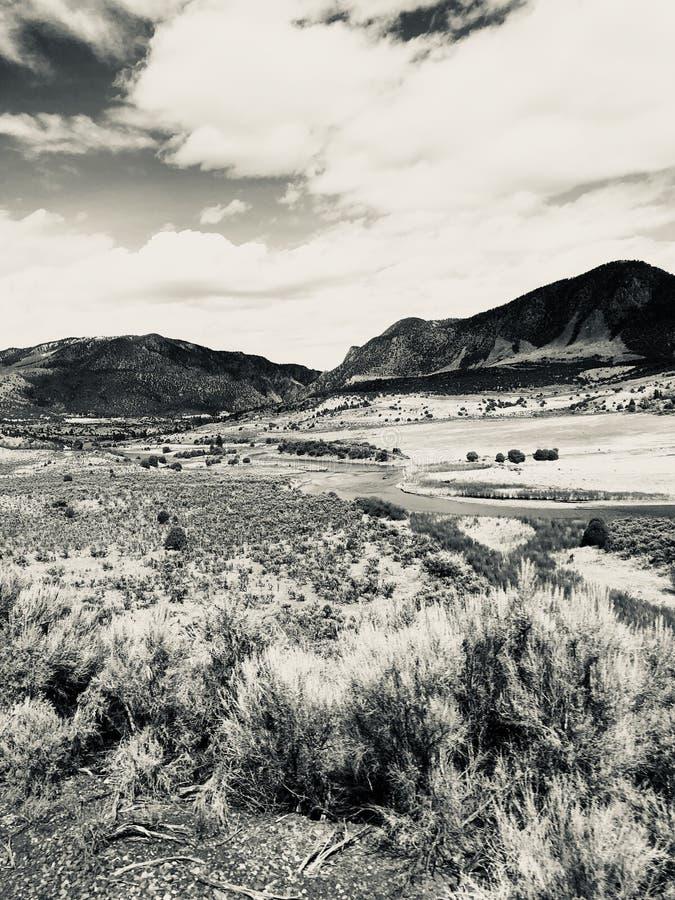 Sépia de paysage de montagne image stock