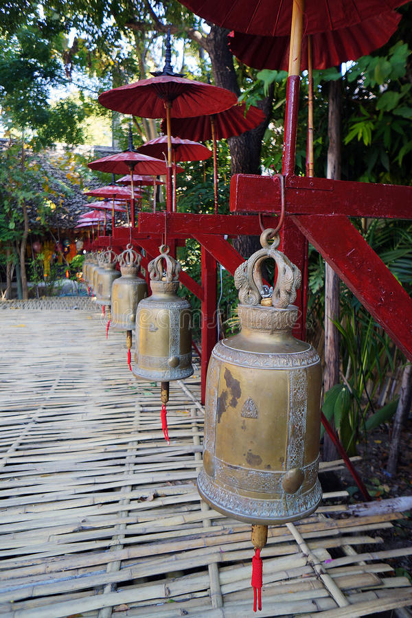 Série de cloches chez Wat Pan Tao image libre de droits