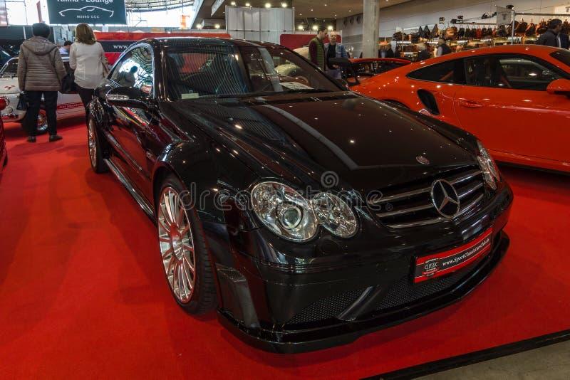 série luxuosa do preto de Mercedes-Benz CLK63 AMG do carro de esportes do Meados de-tamanho, 2007 fotografia de stock royalty free
